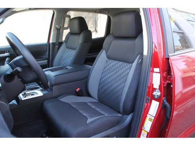 クルーマックス 4WD TRDオフロード サンルーフ TSS(7枚目)
