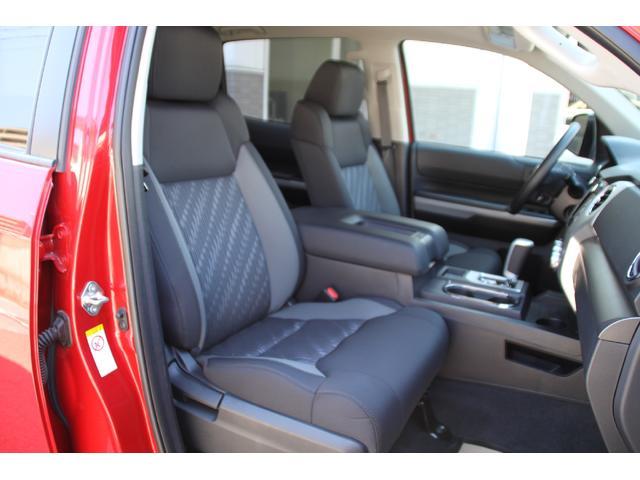 クルーマックス 4WD TRDオフロード サンルーフ TSS(18枚目)