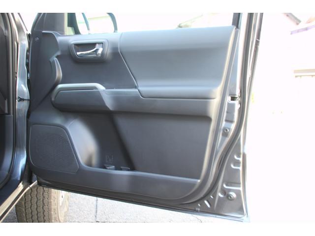 ダブルキャブ TRDオフロード プレミアム 2020年モデル新車 レザーシート サンルーフ スマートキー アップルカープレイ(29枚目)