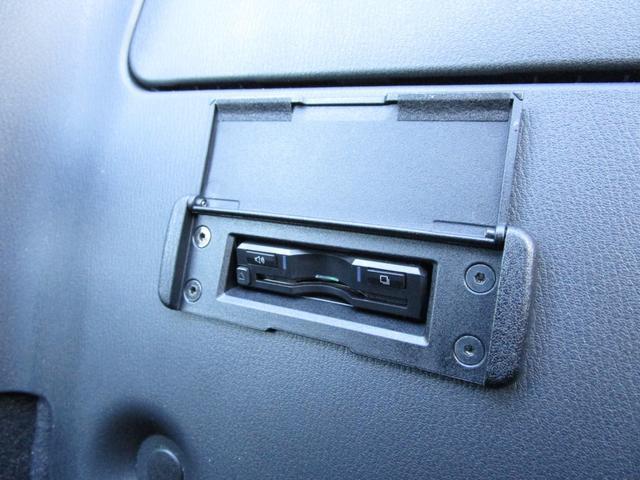 純正オプションのビルトインETC車載器を装着しておりますっ!