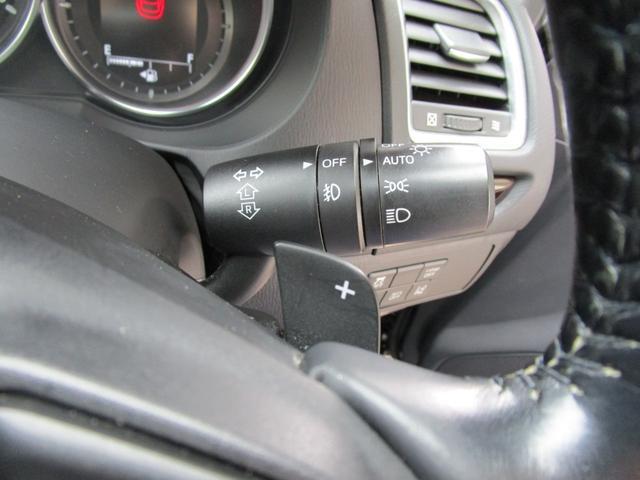 便利なオートライトも装備しており周囲の明るさを検知してヘッドライトを自動で点灯いたします!