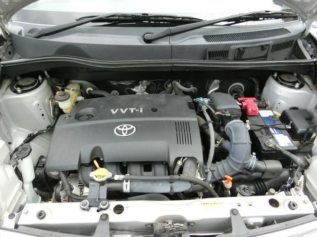 車体の下回り&排気マフラーに気になる錆びや腐食などなく綺麗です。エンジン下からのオイル漏れなどありません。お車に関するお問い合わせ先:052−485−8068【担当:はら迄】