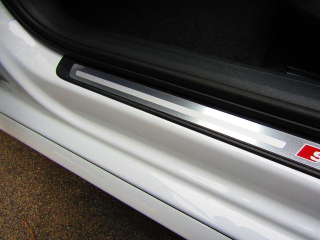 2.0Sライン アフター保証1年間付 後期モデル ハーフレザー パワーシート ACC パワーバックドア 純正ナビ フルセグ バックカメラ スマートキー2本 純正18インチAW タイヤ前後BSレグノ2019年製造(68枚目)