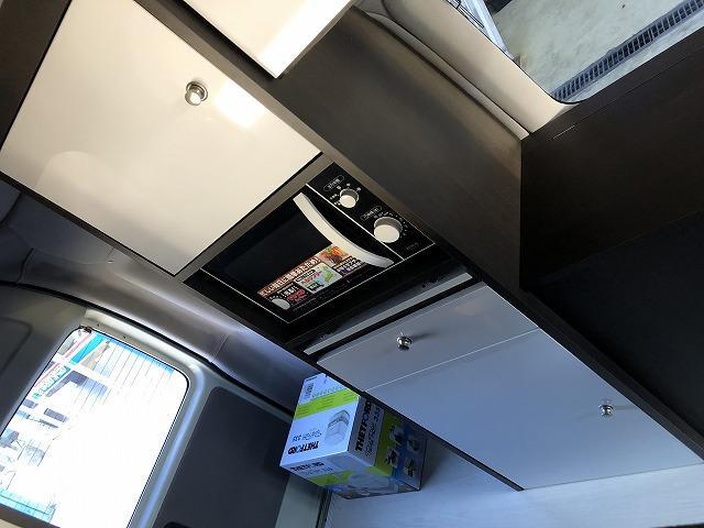 SロングDX GLパッケージ オリジナルキャンプ仕様 Pisces 2段ベッド 電子レンジ 冷蔵庫 11型フローティングナビTV  バックカメラ FFヒーター サブバッテリー 衝突軽減ブレーキ(8枚目)