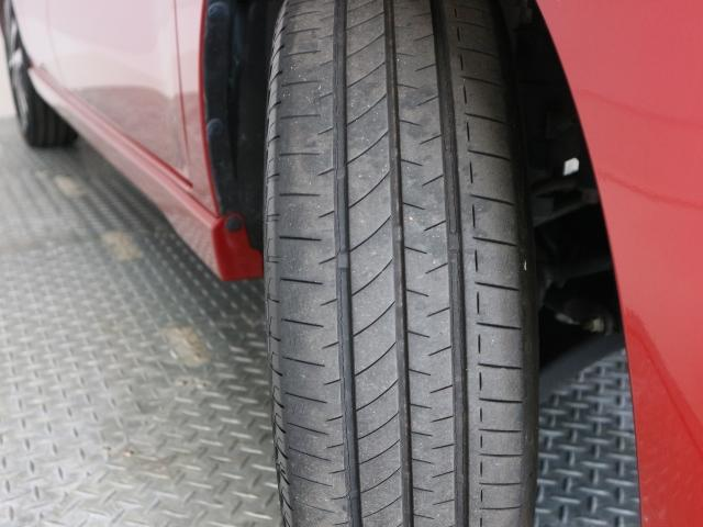 タイヤ溝ご確認ください。