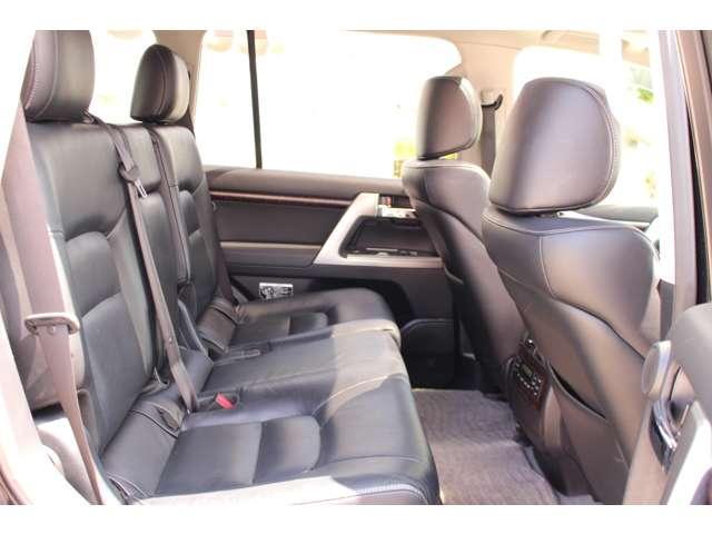 ZX 4WD サンルーフ 本革シート 純正ナビ 地デジTV バックモニター シートエアコン&ヒーター スマートキー クルーズコントロール 3列シート HIDヘッドライト 純正アルミホイール(11枚目)