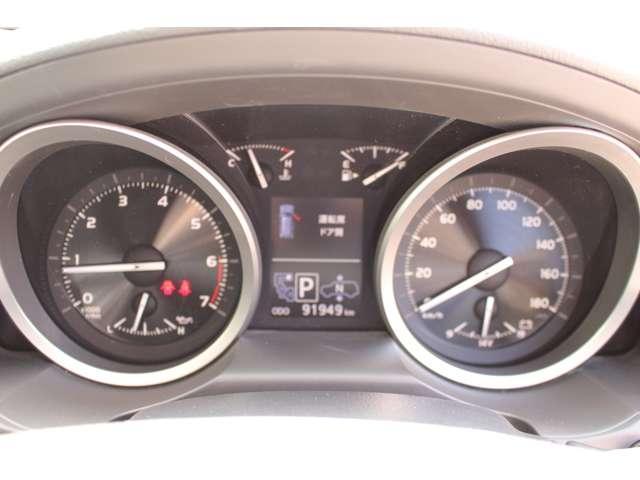 ZX 4WD サンルーフ 本革シート 純正ナビ 地デジTV バックモニター シートエアコン&ヒーター スマートキー クルーズコントロール 3列シート HIDヘッドライト 純正アルミホイール(12枚目)