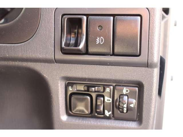 ランドベンチャー 4WD 5速マニュアル シートヒーター キーレス 純正アルミホイール オーディオ リアタイヤハウス(16枚目)