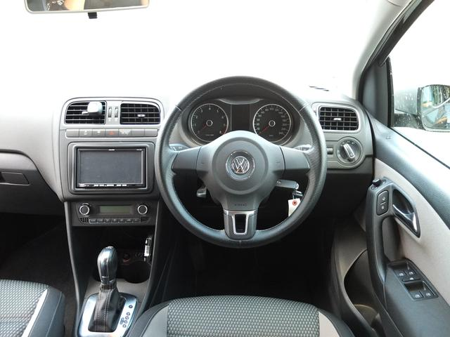 フォルクスワーゲン VW ポロ クロスポロ/車検2年/キセノンヘッド/外ナビ