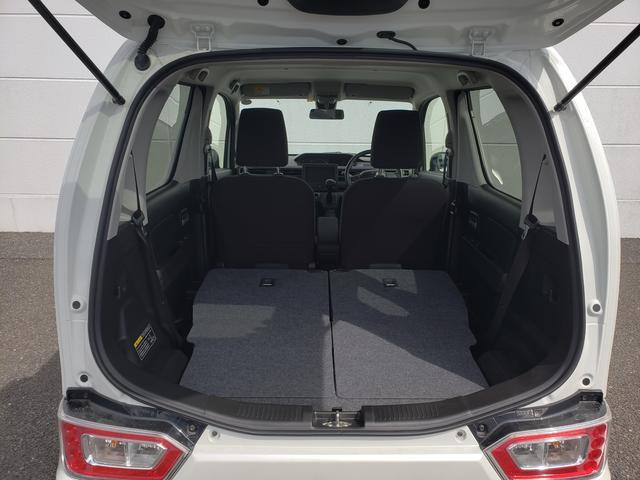 リヤシートは左右独立してリクライニングするので使い勝手もバッチリです☆両側倒すと大容量の荷物スペースができるので大きな荷物も載せていただけます☆