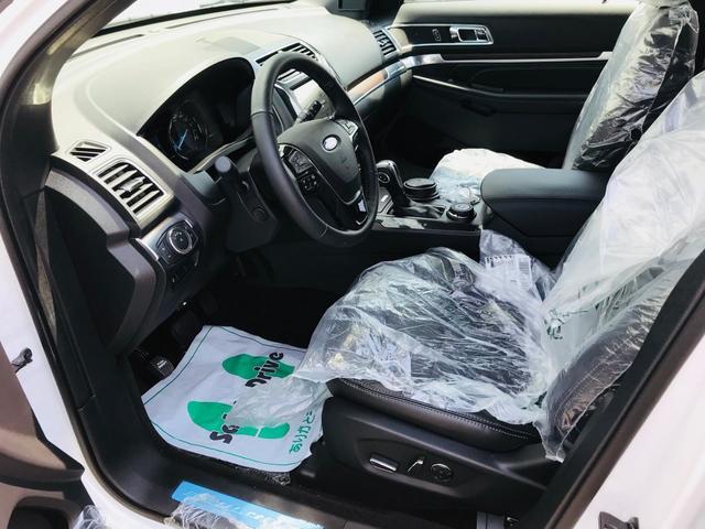 運転席・助手席にはシートヒーター、シートクーラー機能がついています。さらにはマッサージ機能もあります!