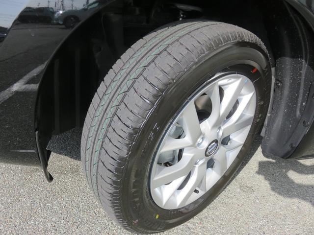 15インチアルミホイールを装備!装着タイヤは185/65R15です!