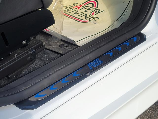 センターコンソールボックス内にも2つ目のUSBポートを装備