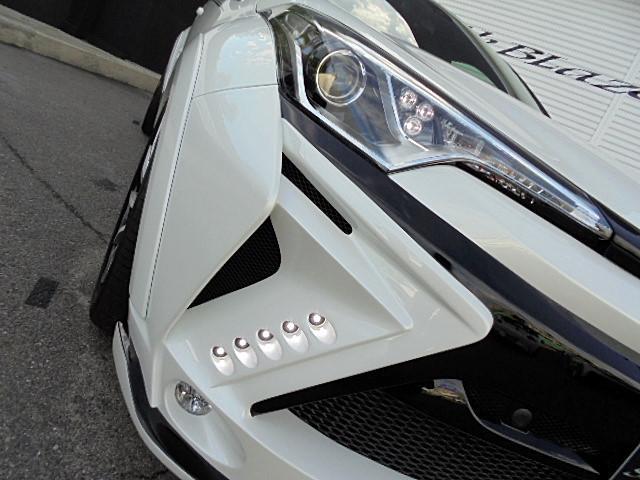 トヨタ C-HR S GLANZENバンパーフルエアロ 車高調 20AW ナビ