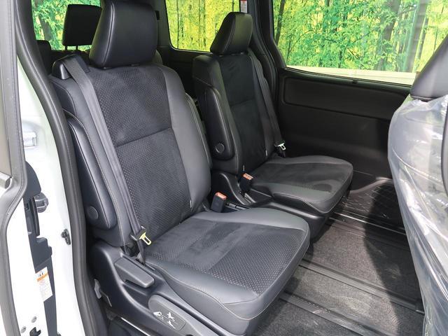 ハイブリッドZS 煌III 登録済未使用車 特別仕様車 オーディオレス トヨタセーフティセンス 両側電動スライドドア 前席シートヒーター LEDヘッドライト&フォグライト リアオートエアコン スマートキー オートライト(11枚目)