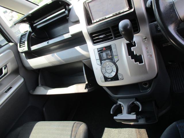 「トヨタ」「ヴォクシー」「ミニバン・ワンボックス」「愛知県」の中古車30