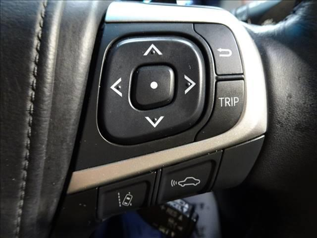 トヨタ ハリアーハイブリッド プレミアムアドバンスパッケージ 本革 JBLサウンド