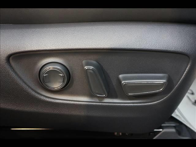 G 未登録新車 9型SDナビTV 衝突軽減 本革 ETC(5枚目)