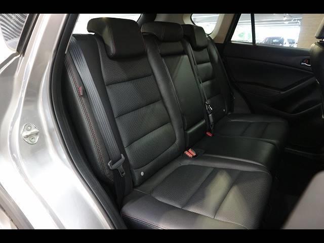 XD Lパッケージ ワンオーナー 8インチナビTV バックカメラ 黒革 シートヒーター RVM スマートキー ディーゼル HID 19アルミ Bluetooth アイドリングストップ 4WD(9枚目)