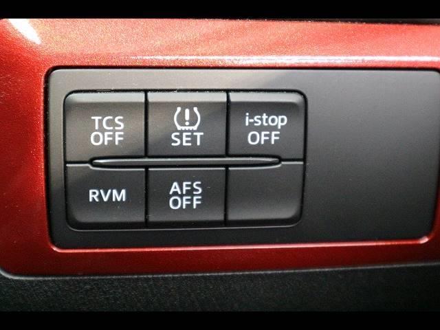 XD Lパッケージ SDナビTV バック&サイドカメラ 黒革 シートヒーター BOSE クルーズコントロール RVM HID スマートキー アイドリングストップ ディーゼル Bluetooth(6枚目)