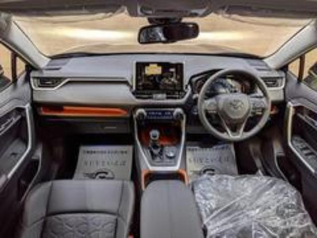 Adventure 新車未登録 バックカメラ クリアランスソナー LEDヘッドライト レーダークルーズコントロール トヨタセーフティーセンス USBポート 純正アルミ 電動シート スマートキー プッシュスタート(3枚目)