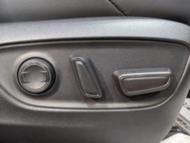 Adventure 新車未登録 バックカメラ クリアランスソナー LEDヘッドライト レーダークルーズコントロール トヨタセーフティーセンス USBポート 純正アルミ 電動シート スマートキー プッシュスタート(6枚目)