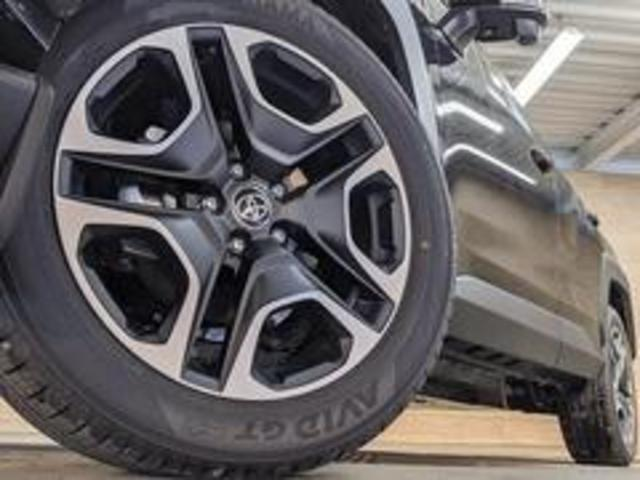 Adventure 新車未登録 バックカメラ クリアランスソナー LEDヘッドライト レーダークルーズコントロール トヨタセーフティーセンス USBポート 純正アルミ 電動シート スマートキー プッシュスタート(19枚目)