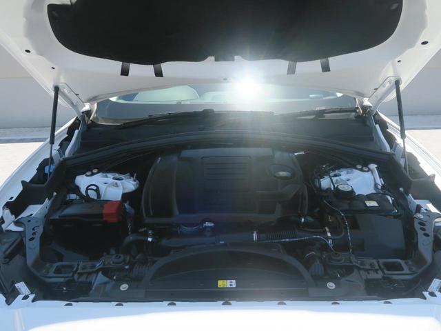 250ps(184kW)/5500rpmを発揮する2リッターINGINIUMターボエンジンを搭載!ストレスのない走りと12.2km(JC08モード)の高い燃費性能が特徴です。