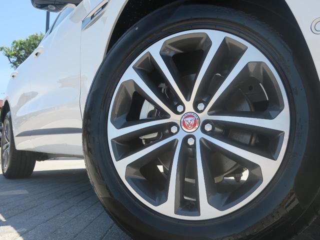 Rスポーツ標準装着の純正19インチアルミホール。シルバー×ガンメタリックのポリッシュデザインが人気のスポーティな仕様です。