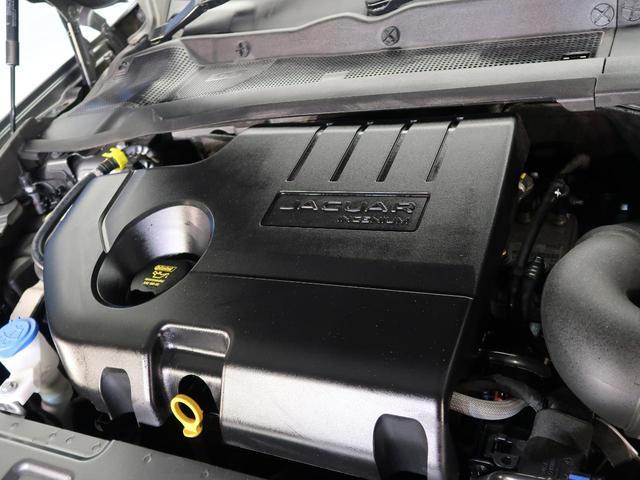 2Lディーゼルターボの204DTエンジンは180PS/430N・m。可変ノズルターボが全ての回転域で高トルクを生み出し力強く走ります!多段階9ATは常に最適なギヤを選択し、ギアチェンジもスムーズです。