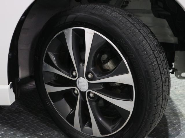 タイヤの溝もまだまだ残っておりますのでそのままでも走行可能です。