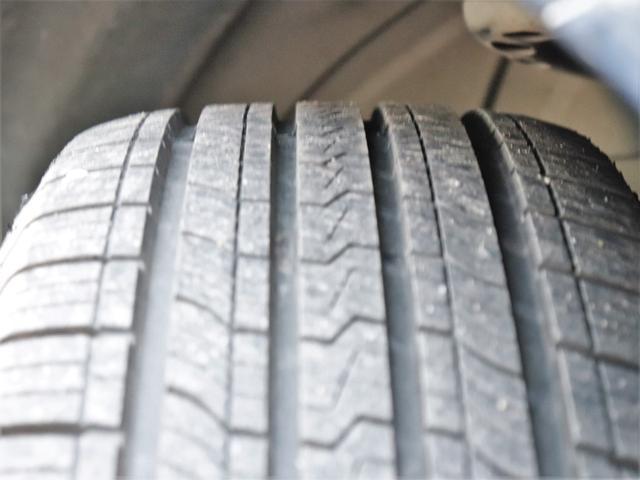 【タイヤ】8分山以上!安心のタイヤで楽しくドライブして下さい!交換の必要もありませんので余分な費用もかかりません!お早めにご検討ください!