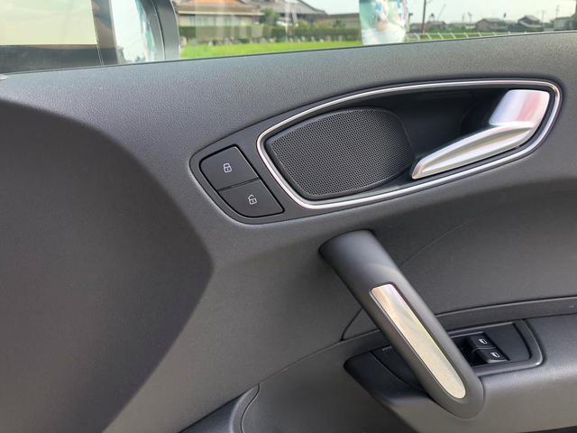 「アウディ」「アウディ A1」「コンパクトカー」「三重県」の中古車39
