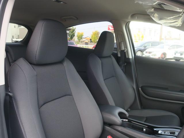 新品ナビ・地デジTV・バックカメラ・ステアリングリモコン・ETC・ホンダセンシング・レーダークルーズ・LEDオートヘッドライト・フォグ・純正アルミ・アイドリングストップ・パドルシフト・登録済未使用車