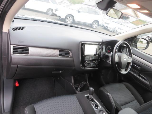 24Gセーフティパッケージ Bカメ クルコン 4WD ナビTV SDナビ 地デジ HID アイドリングストップ スマートキー(16枚目)