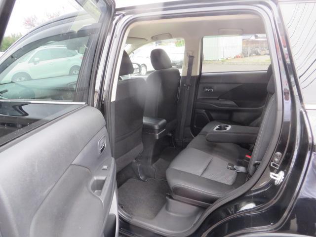 24Gセーフティパッケージ Bカメ クルコン 4WD ナビTV SDナビ 地デジ HID アイドリングストップ スマートキー(19枚目)