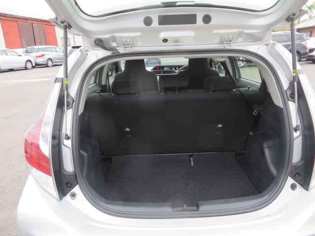 L SD フルオートエアコン CD再生装置 Wエアバッグ エアバック PS ABS キ-レス ナビ付 パワーウィンドウ 電格M(8枚目)