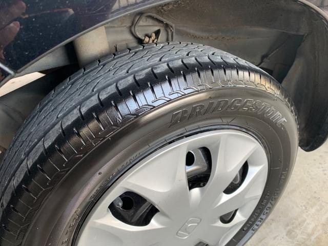 タイヤの溝もタップリ残っております。