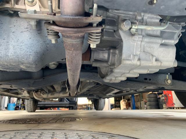 エンジン下側にも異常はありませんので、ご心配はいりません。