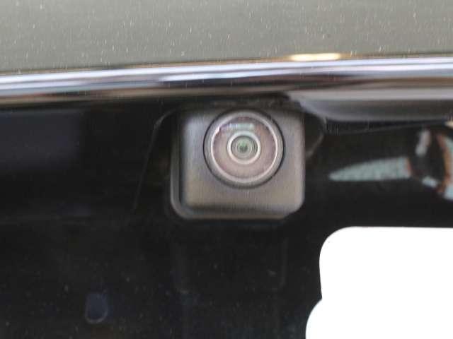 対応のナビをお付けいただきましたら対応します。 後方の視界をカメラで補ってくれます、安全確認の補助として役立ってくれます。