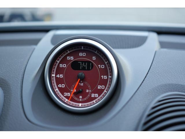 718ボクスター 1オーナー5800キロベースグレード2リッター+ターボPDKボルドーカラースポーツクロノ内装色アゲードグレーレッドカラーシートベルトシートヒーター電動可倒式ミラーデイライトバックカメラETCナビ禁煙車(18枚目)