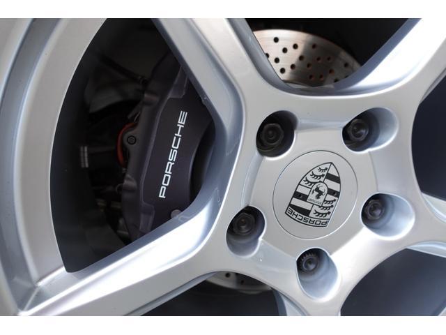 718ボクスター 1オーナー5800キロベースグレード2リッター+ターボPDKボルドーカラースポーツクロノ内装色アゲードグレーレッドカラーシートベルトシートヒーター電動可倒式ミラーデイライトバックカメラETCナビ禁煙車(19枚目)