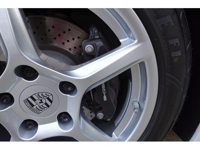 718ボクスター 1オーナー5800キロベースグレード2リッター+ターボPDKボルドーカラースポーツクロノ内装色アゲードグレーレッドカラーシートベルトシートヒーター電動可倒式ミラーデイライトバックカメラETCナビ禁煙車(20枚目)