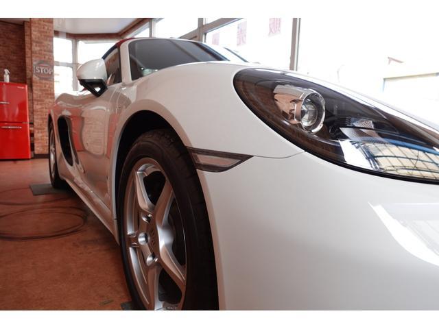 718ボクスター 1オーナー5800キロベースグレード2リッター+ターボPDKボルドーカラースポーツクロノ内装色アゲードグレーレッドカラーシートベルトシートヒーター電動可倒式ミラーデイライトバックカメラETCナビ禁煙車(46枚目)