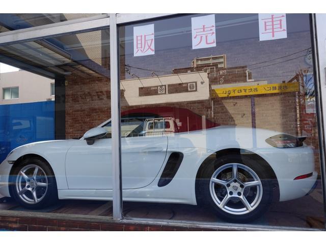 718ボクスター 1オーナー5800キロベースグレード2リッター+ターボPDKボルドーカラースポーツクロノ内装色アゲードグレーレッドカラーシートベルトシートヒーター電動可倒式ミラーデイライトバックカメラETCナビ禁煙車(47枚目)