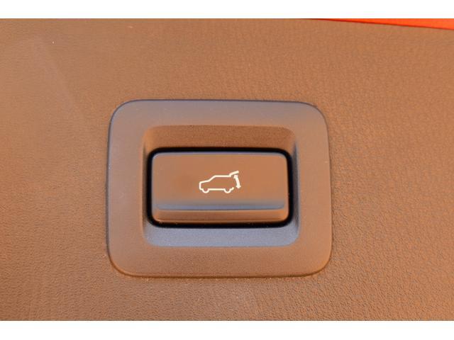ドライブレコーダーも人気のオプションです。純正、社外品と取り揃えています。ご相談下さい!!