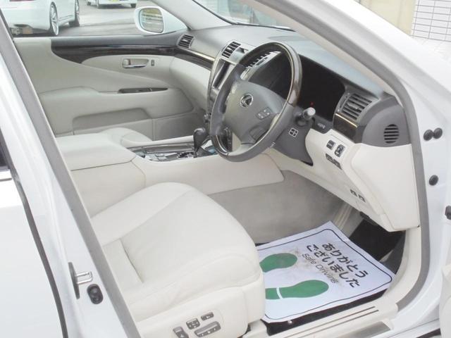DOLCE EURO22インチアルミホイール装着(^_-)-☆エアサスコントローラーで車高の調整もできます(^^♪