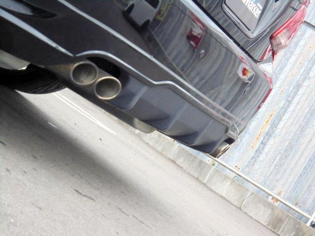 350坪以上ある敷地には20台以上の展示車両を随時展示しております!展示車両にお目当てのお車がなくてもご希望のお車を素早くお探し致します(^^)/