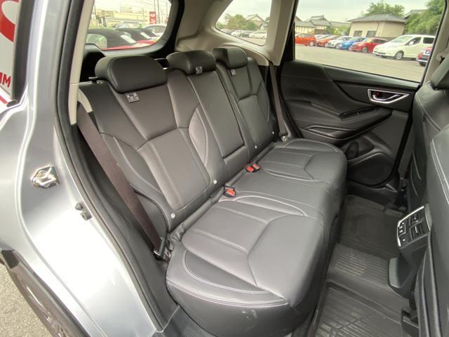 プレミアム 純正8型ナビ フルセグ Bluetooth 黒革シート 全席シートヒーター アイサイト AWD 電動リアゲート ETC LEDヘッド ナノイー フロント&サイド&バックカメラ スマートキー Pシート(13枚目)