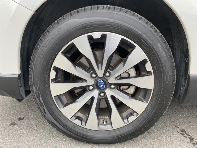 リミテッド ハーマンカードン 4WD アイサイト BSM 電動リアゲート ダウンヒルアシスト 革シート パワーシート シートヒーター 純正メモリーナビ Bカメラ フルセグ LEDヘッド フォグ パドルシフト(11枚目)
